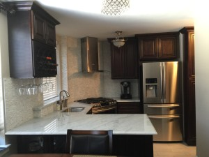 Kitchen cabinets sale solid wood large showroom in for Kitchen cabinets queens