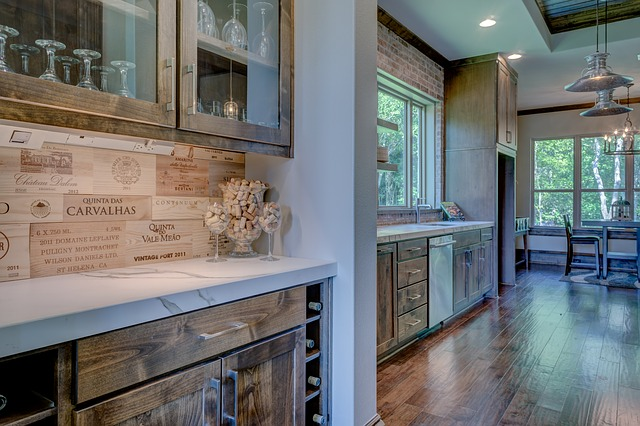 Six Beautiful Ways to Work Glass Into Your Kitchen Cabinets