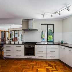 White kitchen cabinets are a perfect choice for a variety of kitchens