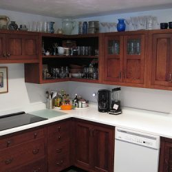 How to choose corner kitchen cabinets
