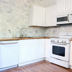 Traditional Meets Modern: The Ceramic Subway Tile Backsplash