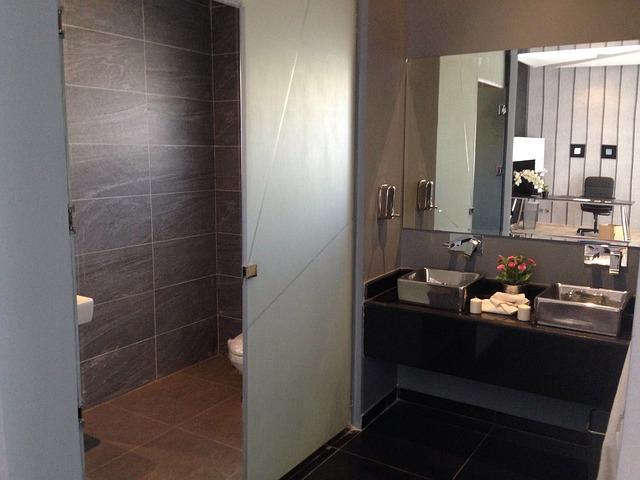 Bathroom Color Ideas: Pretty Gray Paint Selections