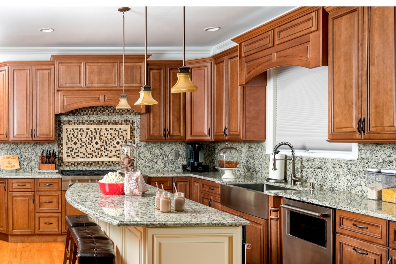 Traditional Kitchen Cabinets | Home Art Tile Kitchen and Bath