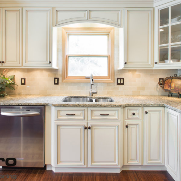 Cabinets for Kitchen Remodeling Projects in Manhattan | Home Art Tile Kitchen and Bath