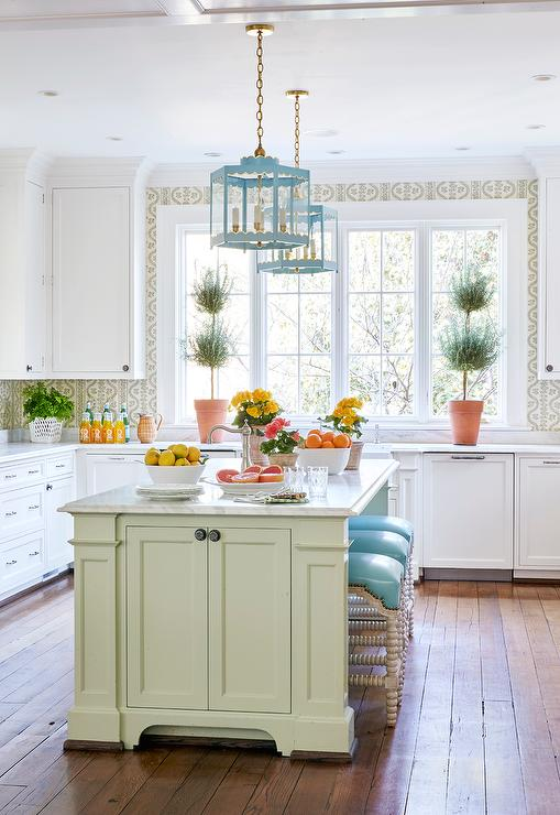 Kitchen Cabinet Colors for a Transforming & Exciting New Look