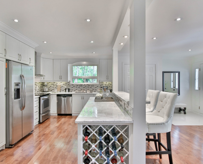 Custom Kitchen Islands | Beautiful Design Ideas for More Functionality | Home Art Tile Kitchen and Bath