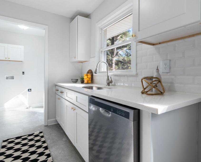 White Subway Tile Backsplash Ideas for Your Kitchen | Home Art Tile Kitchen and Bath